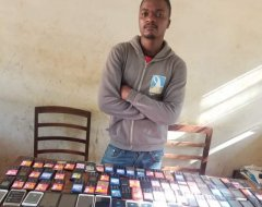 Man in for Possessing 106 Cellphones without Docs