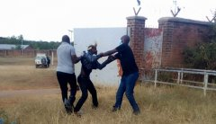 Police Detains Malawians from RSA