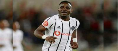 Gabadihno Mhango in one of the games at Orlando Pirates