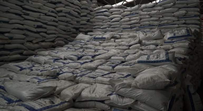 Farmers claim traders are selling fertilizer at higher price
