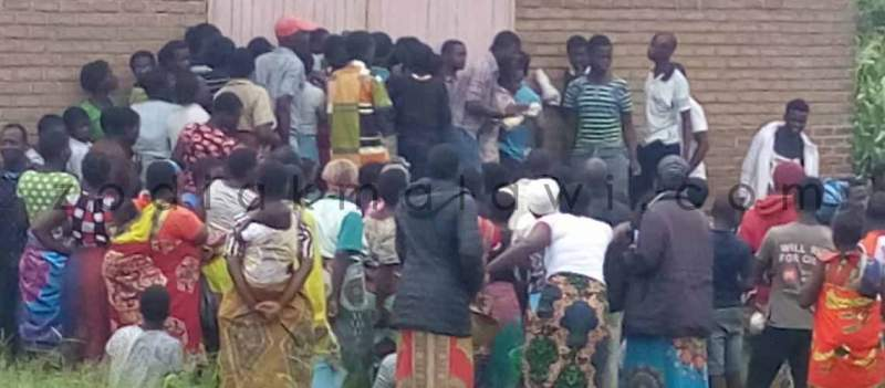 Scarcity: People scrambling for maize