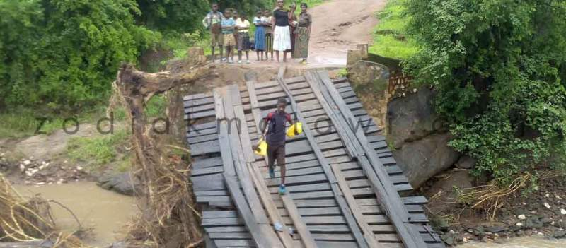 Cut off: Bridge collapses in Rumphi